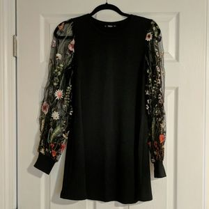 Embroidered Sleeved Tunic